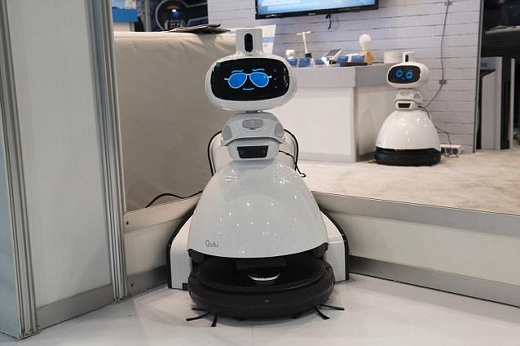 CES 2018-də Robot tozsoran