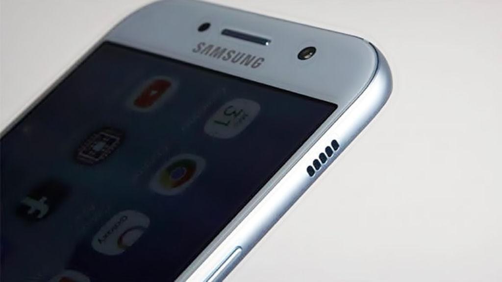 Samsung Galaxy A6 + ilk dəfə göstərildi!