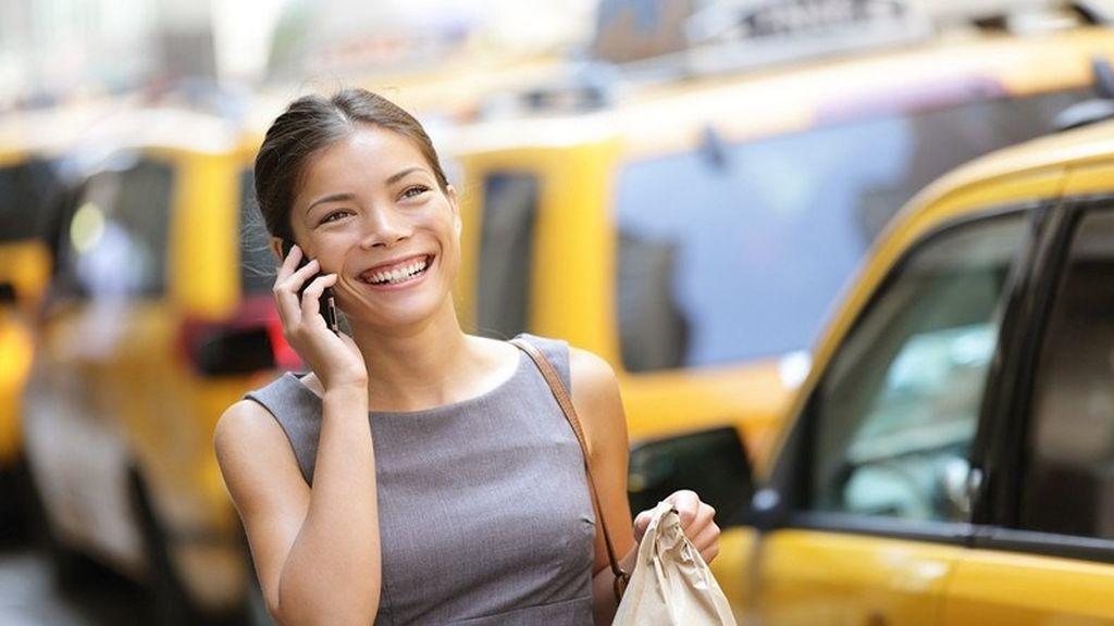 Bəzi insanların, telefonla danışarkən dayanmayıb davamlı gəzməsinin səbəbi nədir?