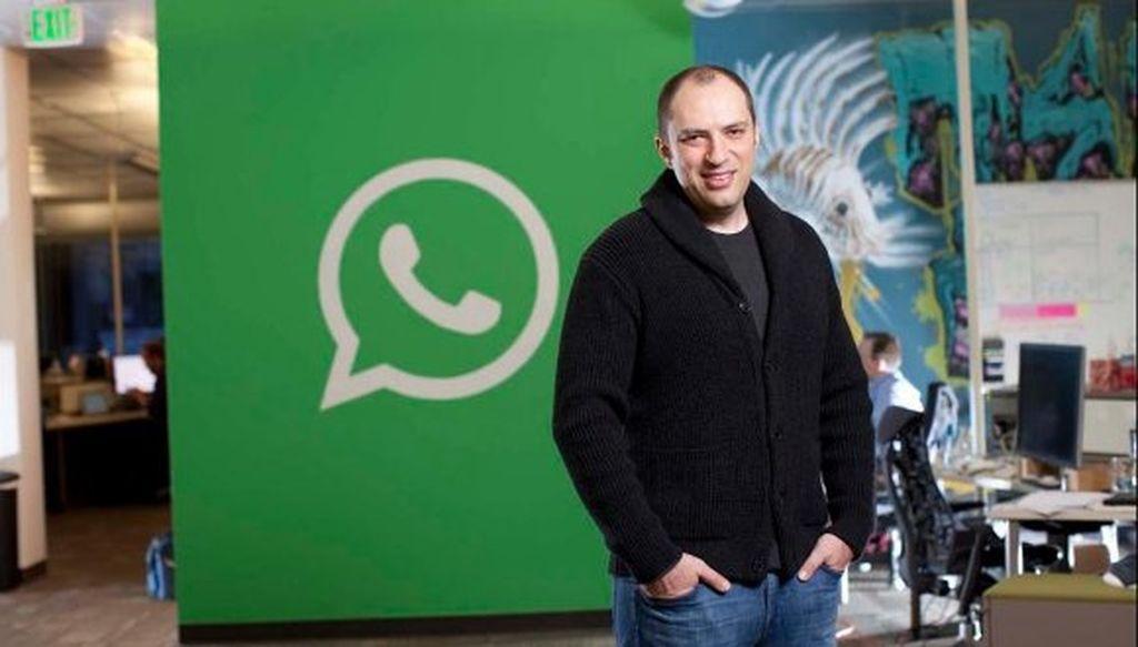 Facebook üzündən WhatsApp qurucusu istefa etdi