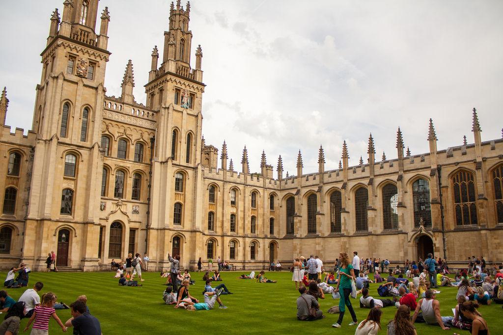 Dünyanın ən yaxşı universitetlərindən ödəniş etmədən online olaraq ala biləcəyiniz 10 dərs!