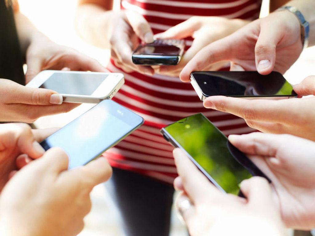 Mobil əlavələr smartfon ekranlarının şəklini çəkir