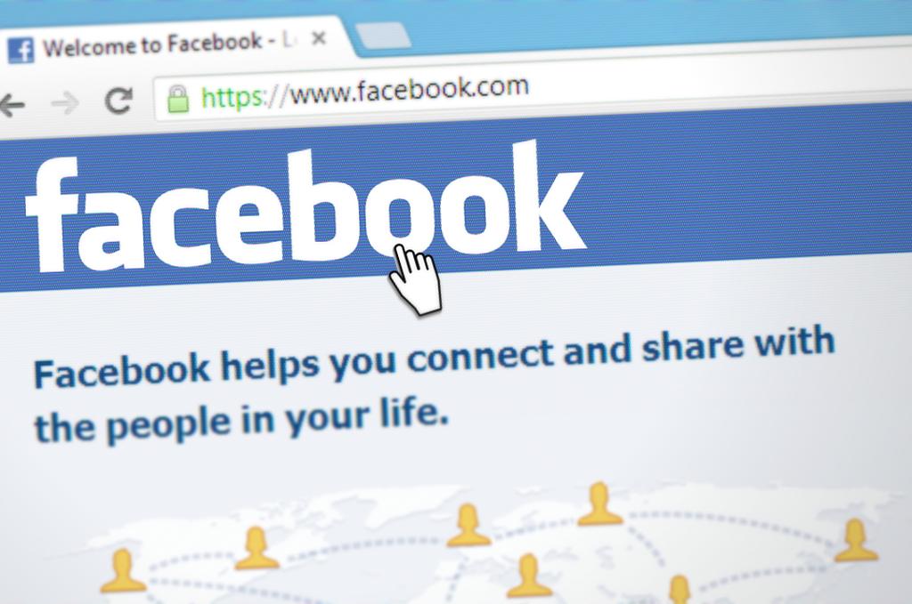 """""""Facebook""""un səhmləri çökdü - 24% UCUZLAŞMA!"""