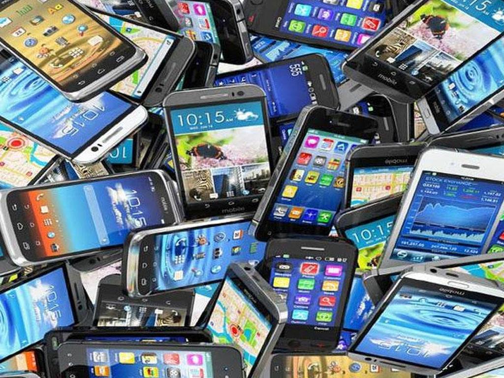 Smartfon istehsalı 3% azalıb