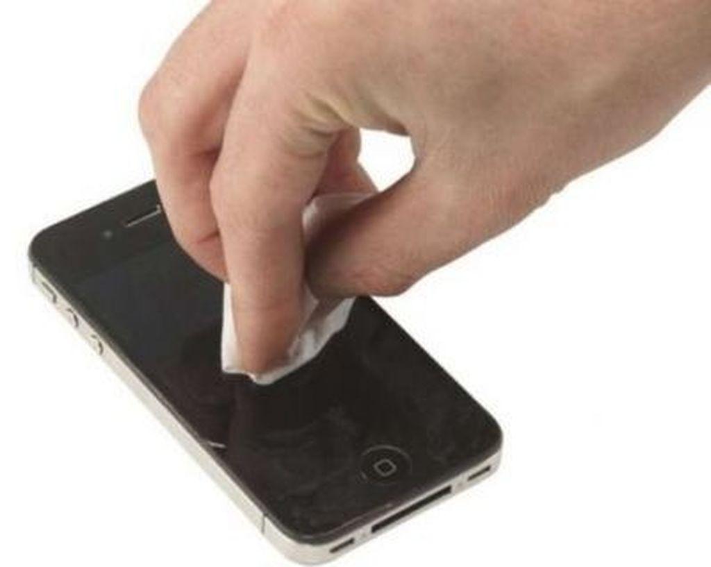 Telefonun ekranındakı cızıqları təmizləmək üsulu - VİDEO
